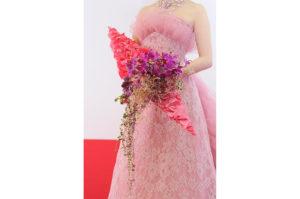 「日本フラワーデザイン大賞2011」でのピンクを基調としたブーケ