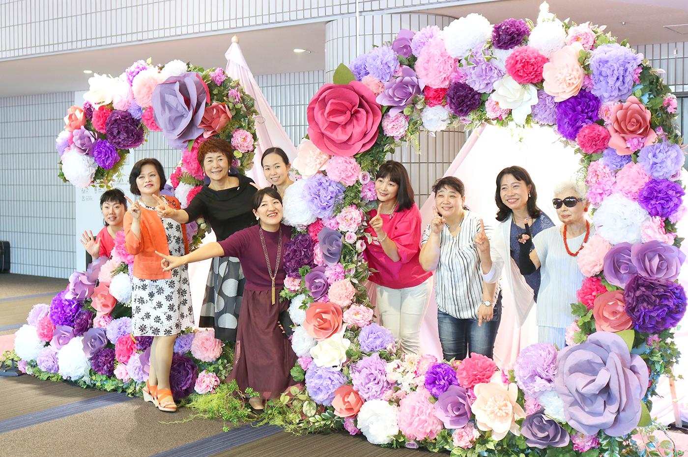 「ダイアナ ゴールデンプロポーションアワード2018」エントランス装花